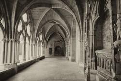 Bayonne cloitre cathedrale N&B