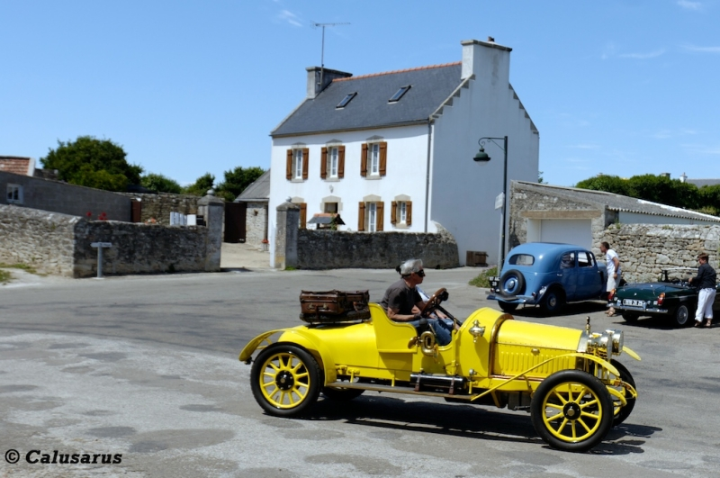 Retro automobile Jaune Finistere