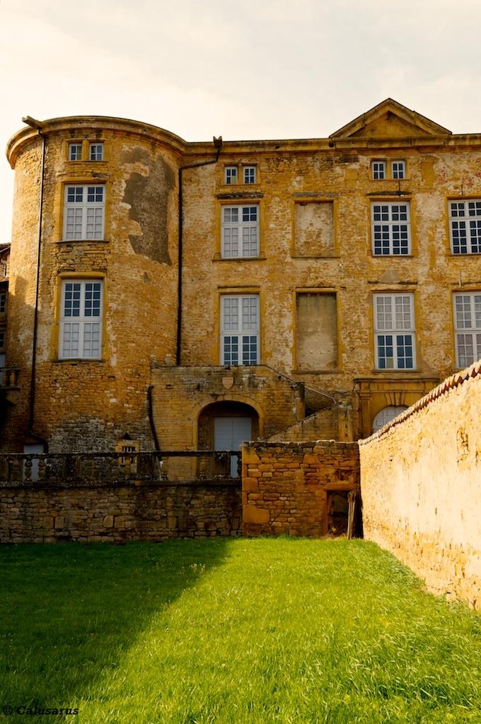 Theize-en-Beaujolais architecture