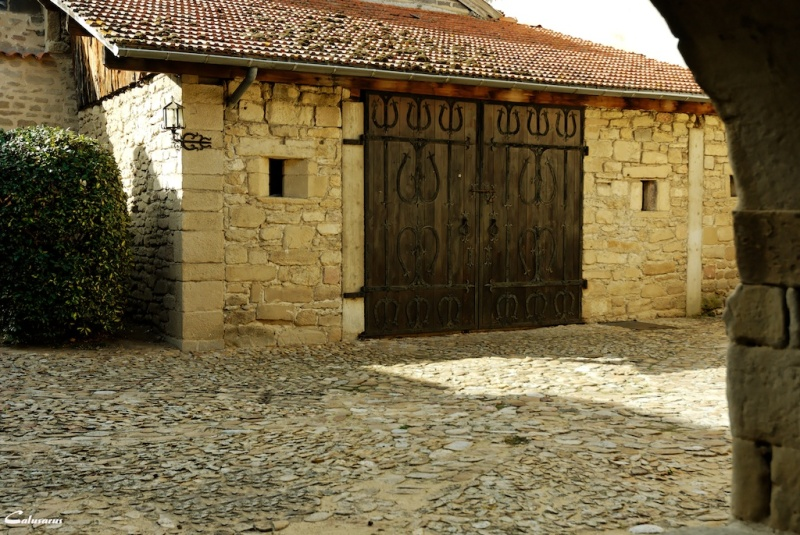 Drome 26 La Motte de Galaure porte architecture
