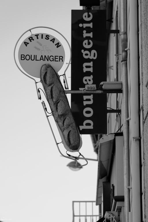 Enseigne Drome 26 bourg-de-peage N&B