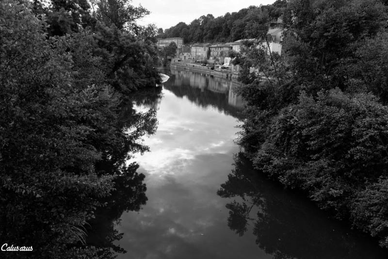 Paysage Angouleme N&B reflet