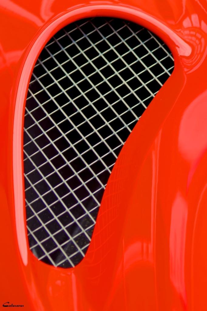 Aotomobile Rouge Romans-sur-Isere Drome 26