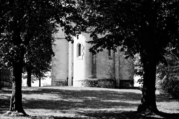 Chapelle Drome Eymeux arbre N&B