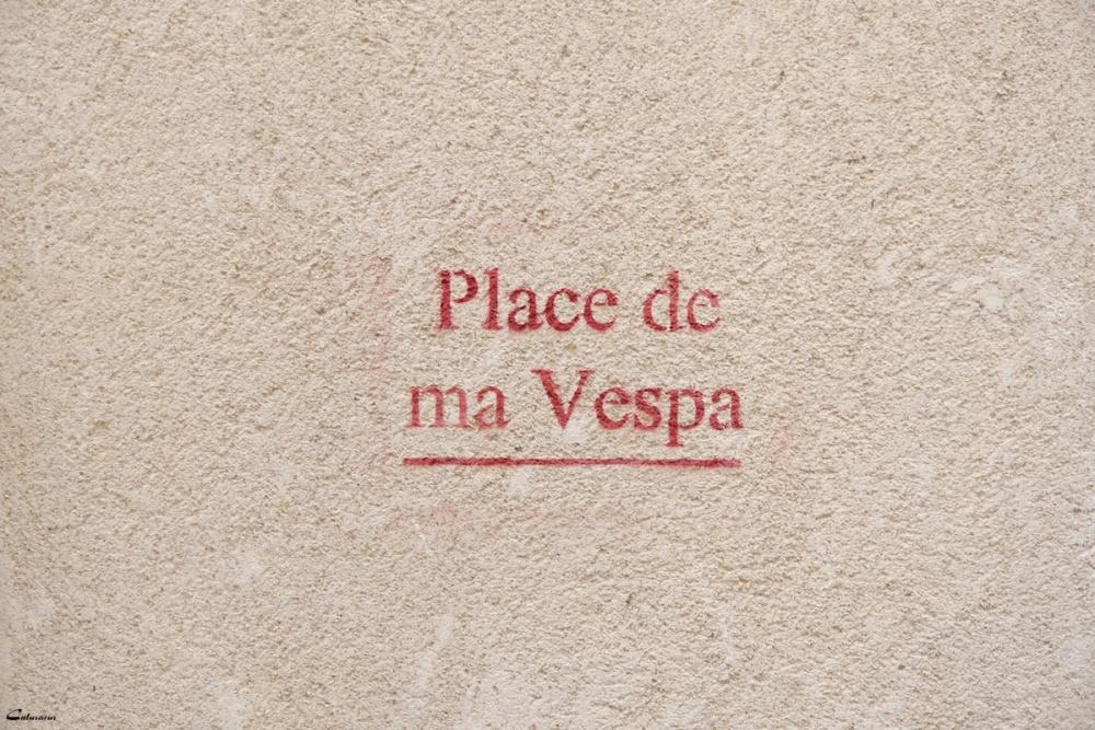 Rue humour graffiti arles Bouches-du-Rhone