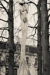 art statue N&B Aix-Les-Bains