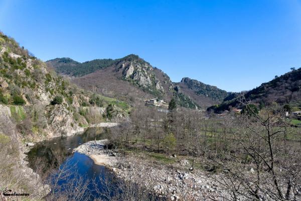 Paysage Ardèche Riviere montagne