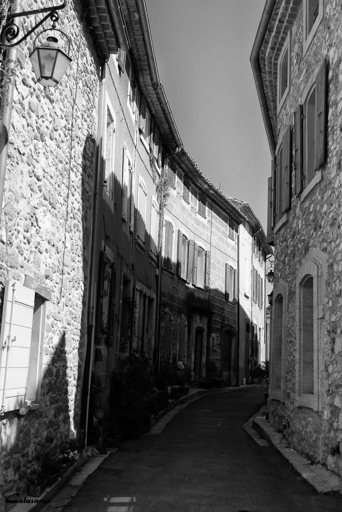 Rue N&B Gigondas