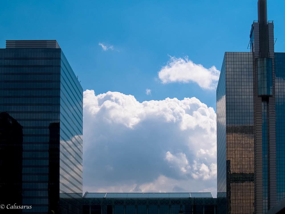 Architecture Bruxelles immeuble ciel
