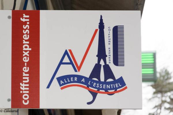 Enseigne magasin Paris