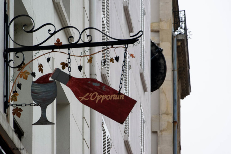 Enseigne restaurant Paris
