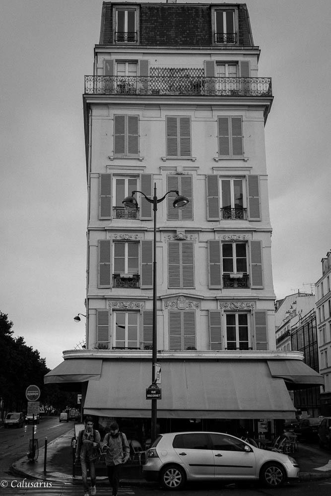 Paris immeuble silhouette N&B