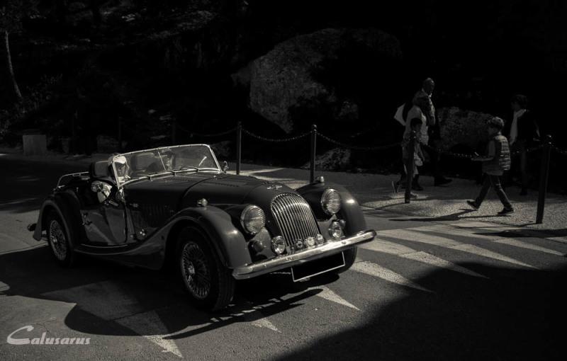 Automobile N&B LEs-Baux-De-Provence