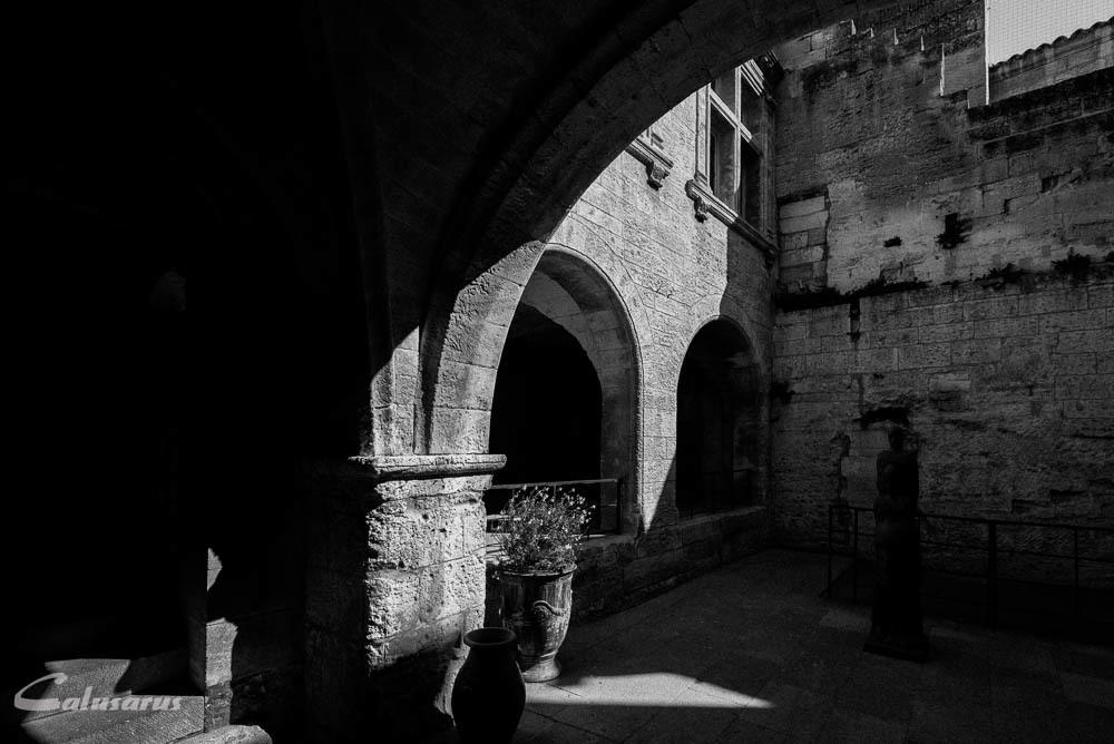 N&B ombre Baux-De-Provence Architecture