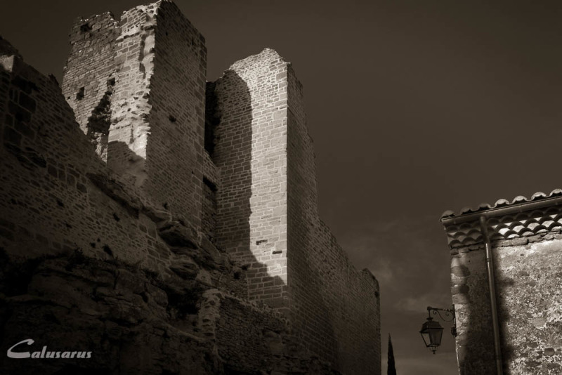 Ombre N&B Drome 26 Chabrillan Ruines