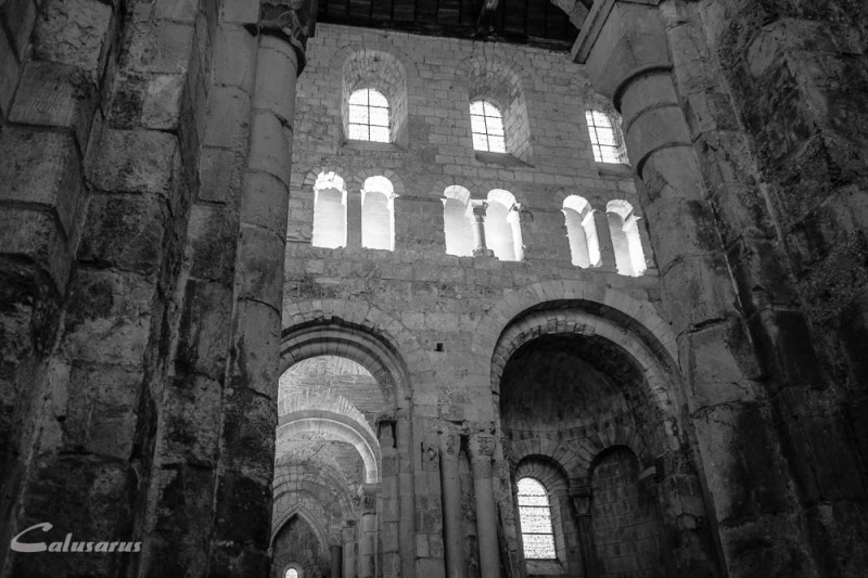 Architecture lieu sacré Eure Bernay N&B