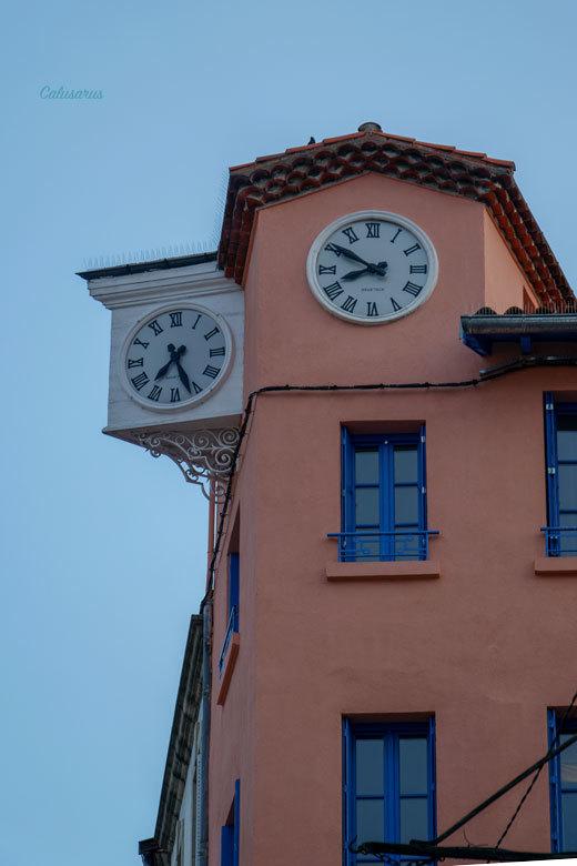 Horloge Insolite Fenetre