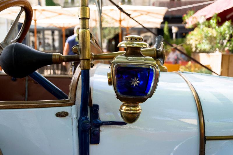 Drome 26 Romans-sur-isere automobile détail
