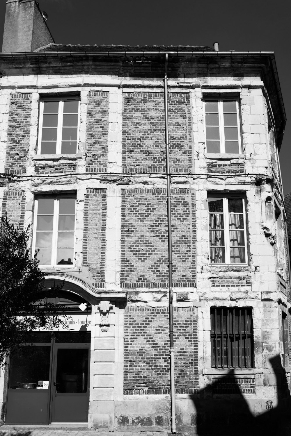 Architecture N&B Facade Moulins