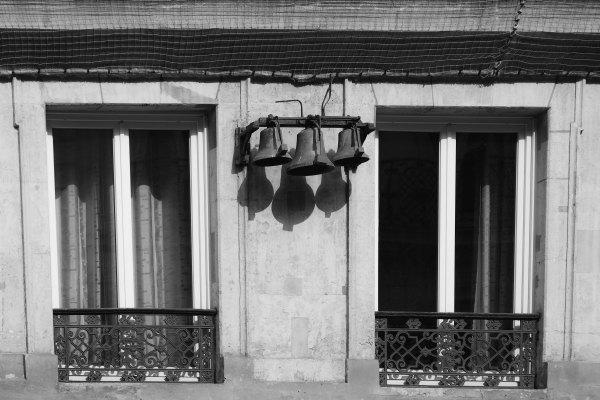 Paris  N&B Cloches Architecture