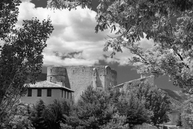 Drome 26 Montbrun Architecture N&B Chateau ruine