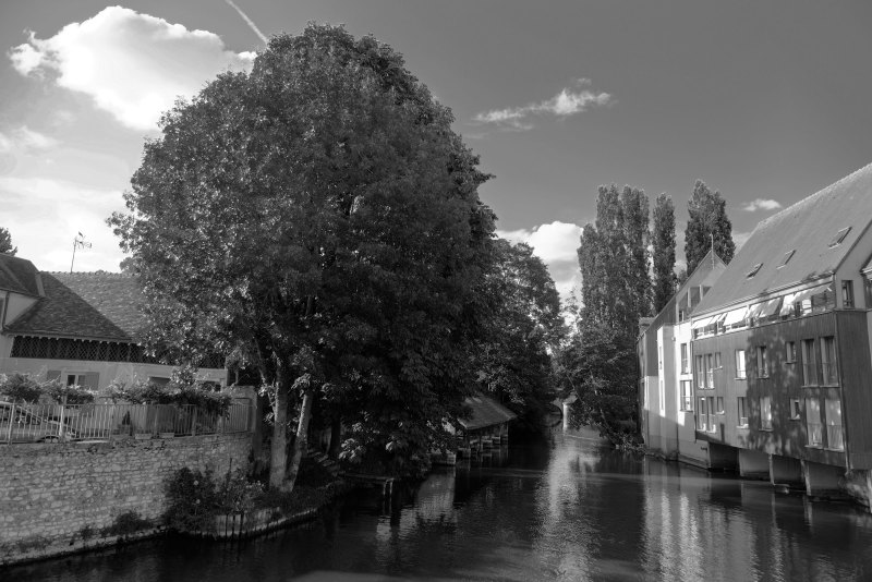 Chartres N&B Riviere Paysage