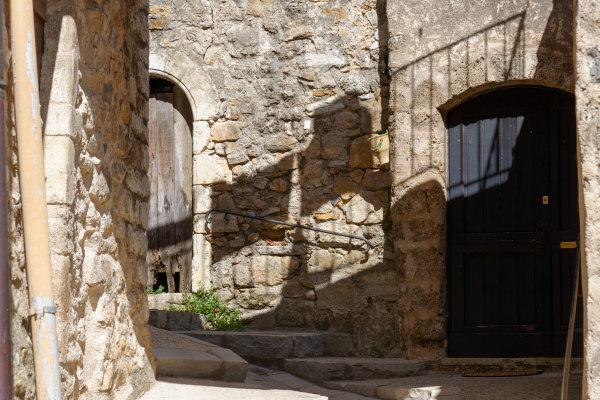 saint-Guilhem-le-desert Ombre mur