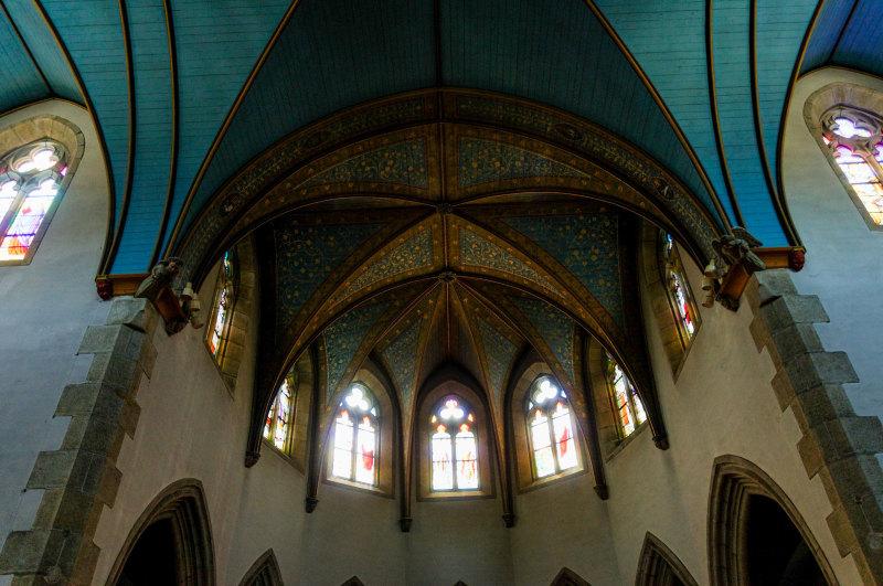 Eglise architecture plafond peinture