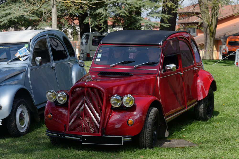 Automobile Citroen 2CV Rhone
