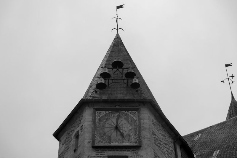 Gacé Orne N&B Architecture Cloches Horloge