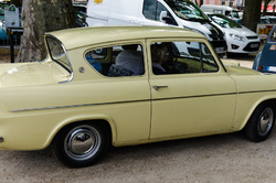 Transport Ardeche Ford Automobile Anglia