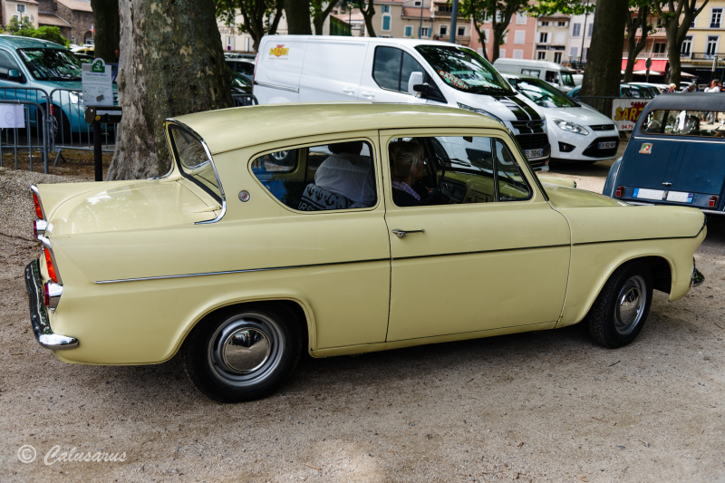 Transport Ardeche Ford Automobile Anglia
