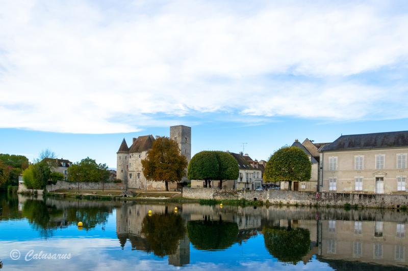 Paysage Riviere reflet château