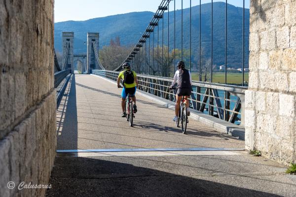 Drome Donzere 26 Pont cyclisme vélo