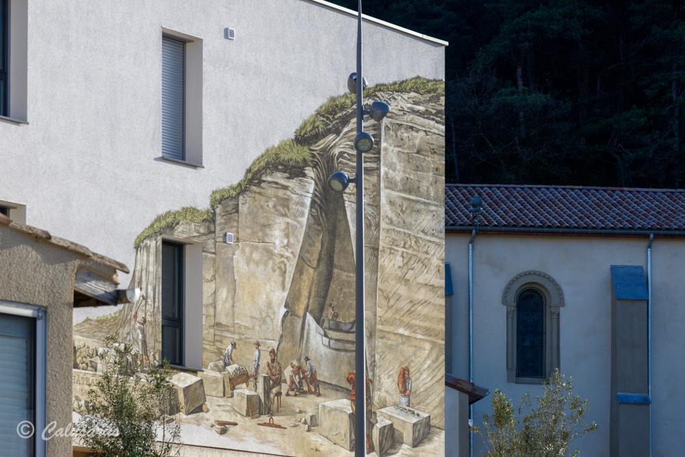 Drme 26 Chateauneuf Fresque trompe-l'oeil