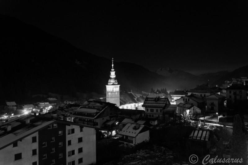 Paysage N&B Village Nuit Clocher Montagne