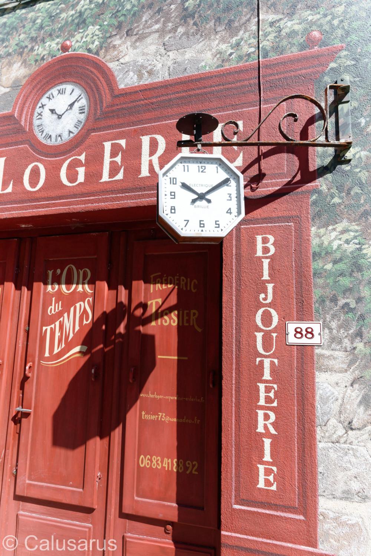Enseigne Beaux-arts Ardeche Horloge