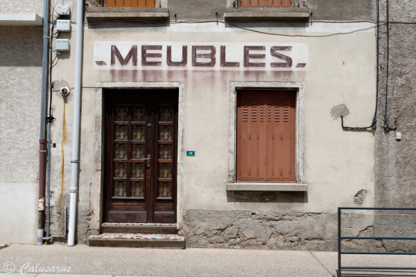 Facade magasin Isere
