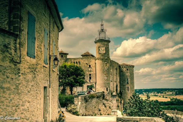 Lussan Paysage Ciel Tour Ville Gard