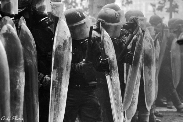 affrontement entre gendarmes et manifestants