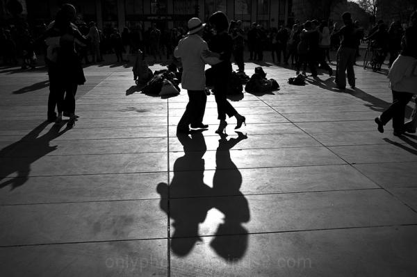 Entrons dans la danse.
