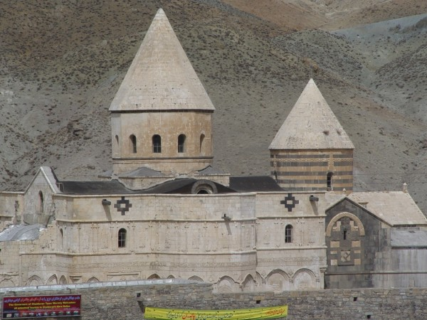 Gharah klisa (Black Church) in Chaldoran(1)