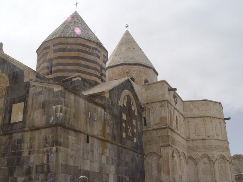 Gharah klisa (Black Church) in Chaldoran(2)