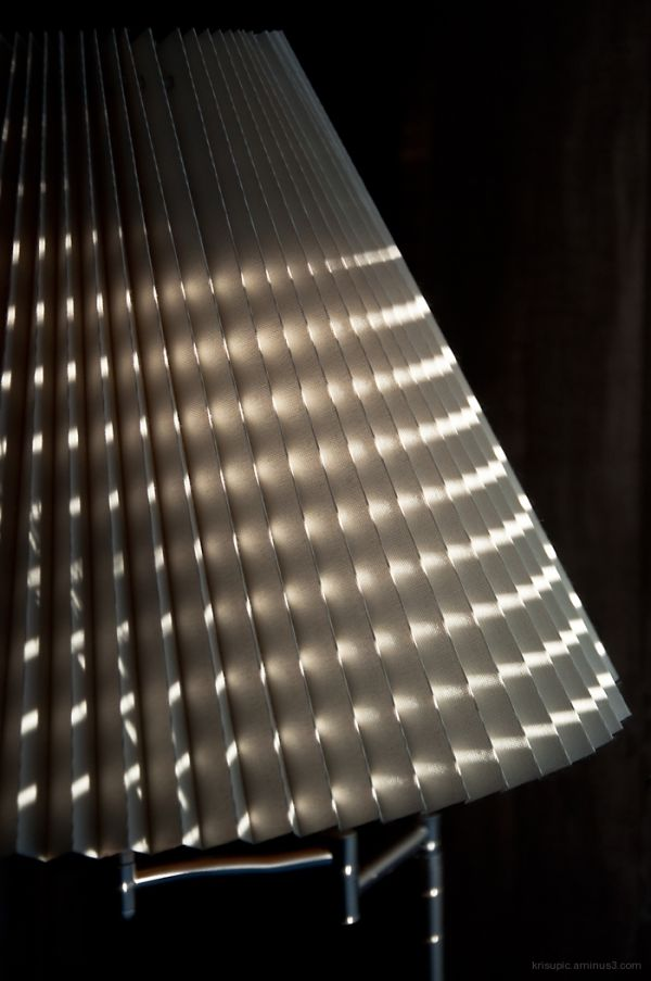 Light stripes on a lamp