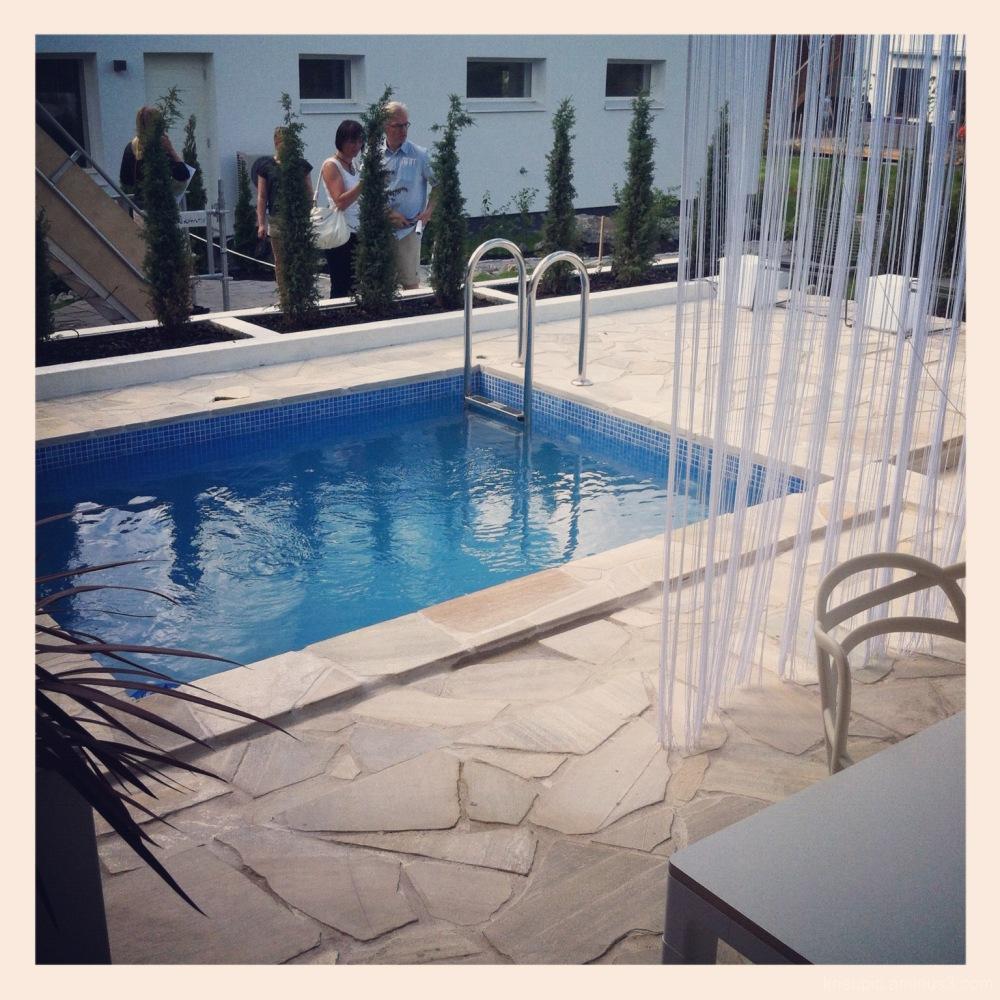 tiny swimmingpool at housing fair