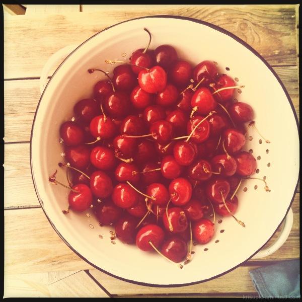 eat cherries