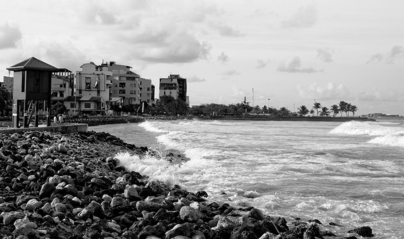 a look aong the eastern side of malé ...