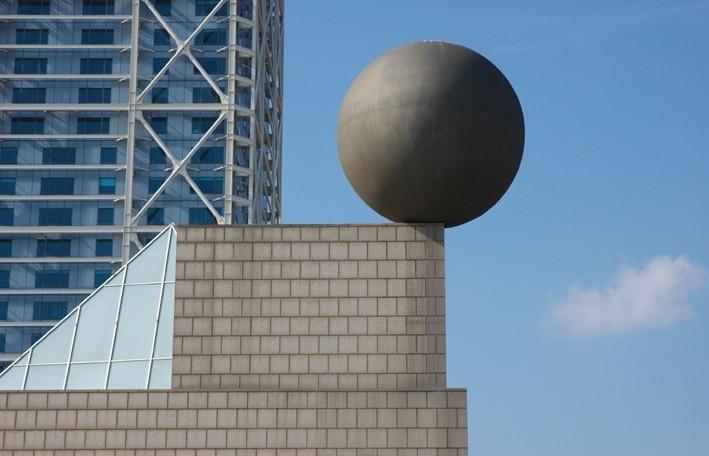 Barcelonetta Building sculpture