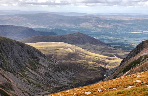 Aviemore  southern col  Fiacalle Ridge Scotland