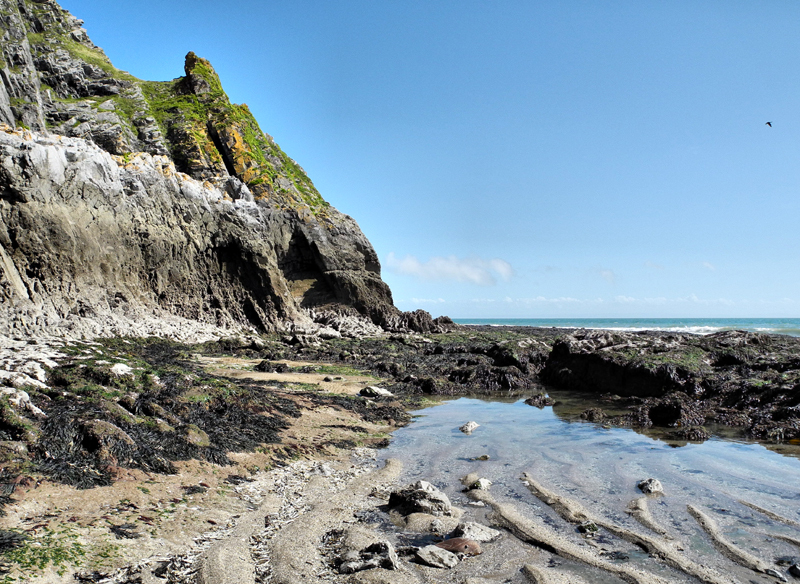 Rock Walk Pobbles Beach Westcliff Gower Wales